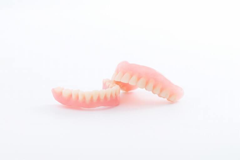部分入れ歯(数本の歯を失った場合)