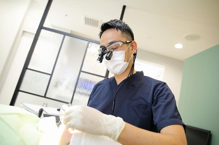 天然歯やインプラントを歯周病から守りましょう