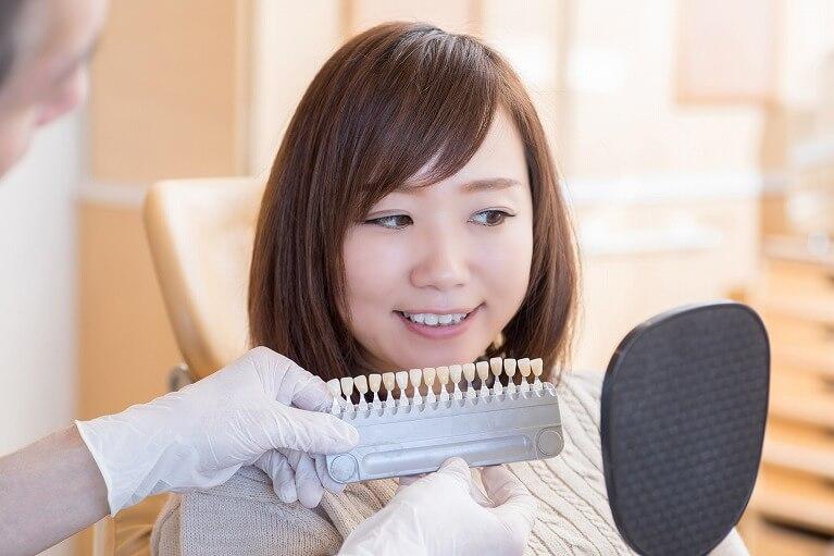 歯を削ることなく美しい白い歯に
